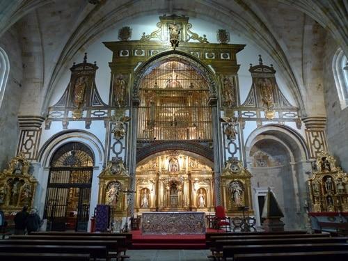 Interior de la Iglesia de San Pedro y San Ildefonso en Zamora